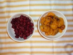 Die Füllung: Aprikosen und Kirschen
