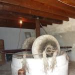 Старинный пресс оливкового масла