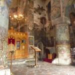 А так выглядят большинство церквей в провинции. Храм в Греми